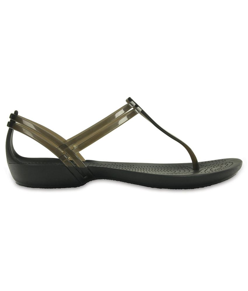 e707443598e9 Crocs Black Flat Slip-on   Sandal Relaxed Fit Price in India- Buy ...