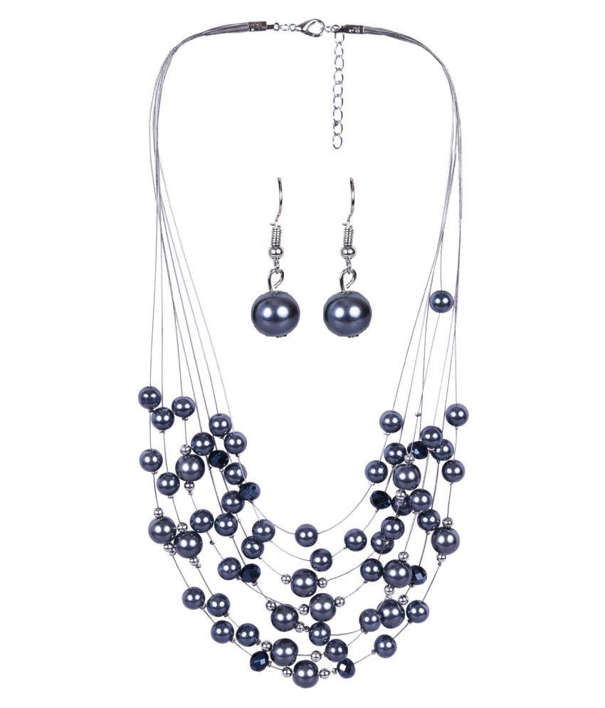 Aaishwarya Black Necklace Set