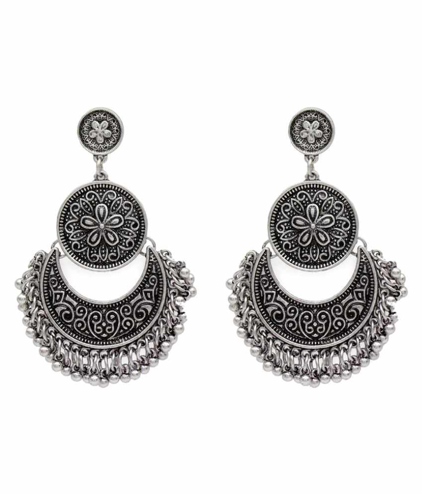 Globus Silver Fascinating Drop Earrings