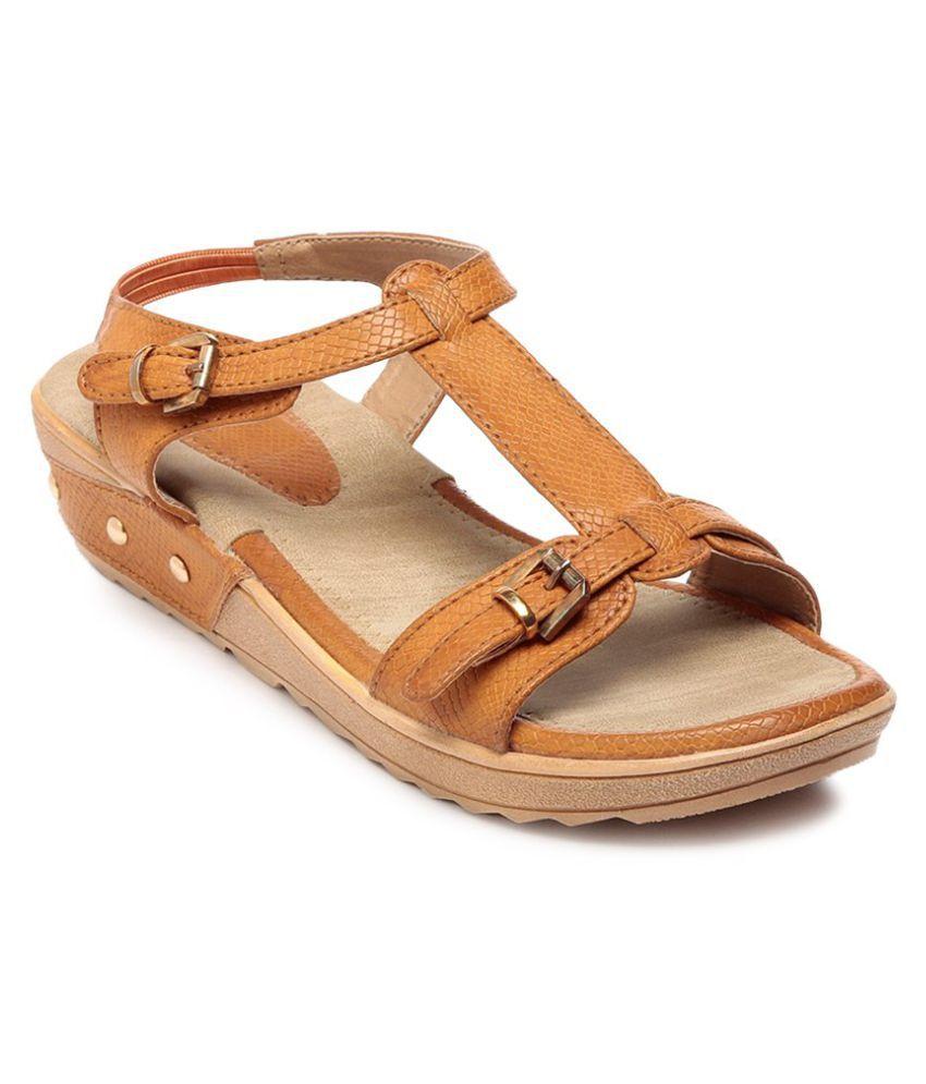 Feet N Knots Tan Wedges Heels
