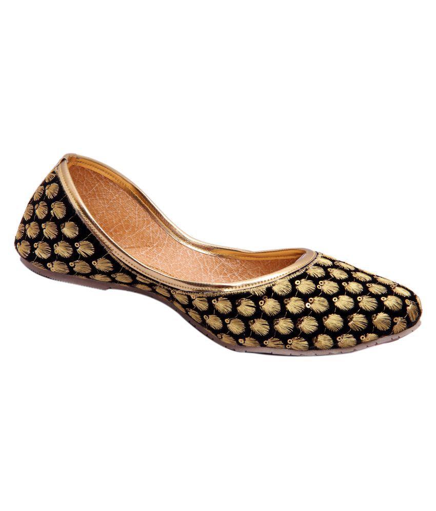 Belleza Black Flat Ethnic Footwear