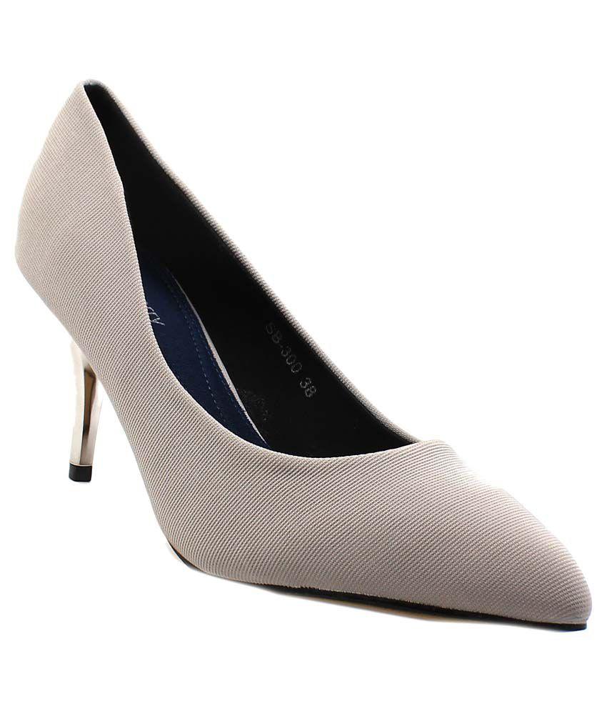 Shuberry Gray Kitten Heels