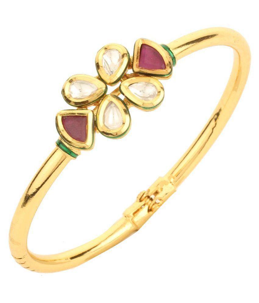Dilan Jewels Golden Alloy Bracelet