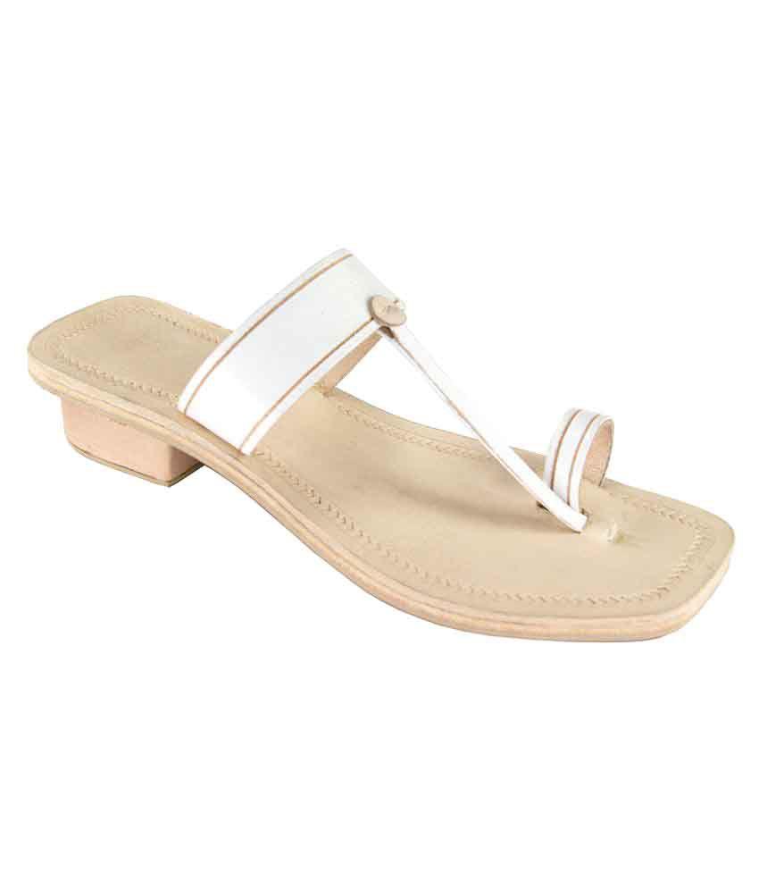 Ekolhapuri White Block Ethnic Footwear