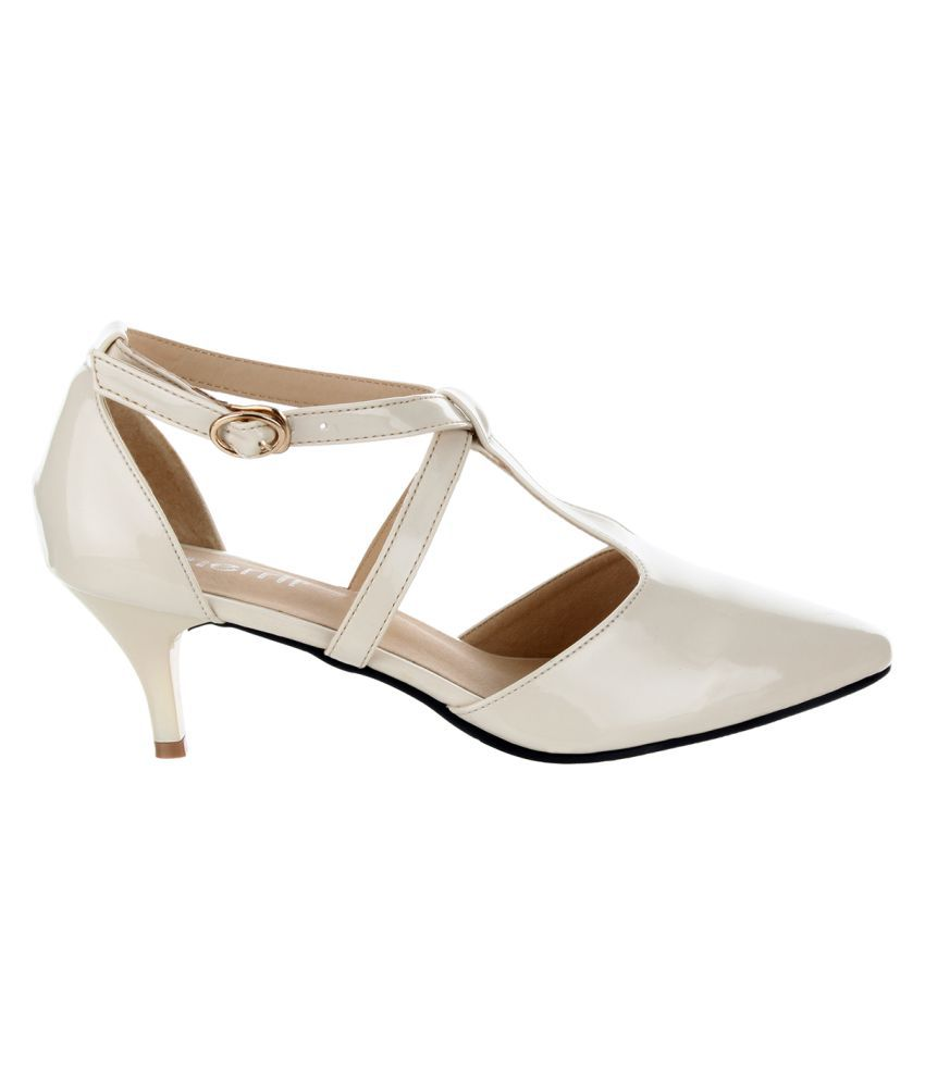 7fa06749b49 Sherrif Shoes Beige Kitten Heels Price in India- Buy Sherrif Shoes ...
