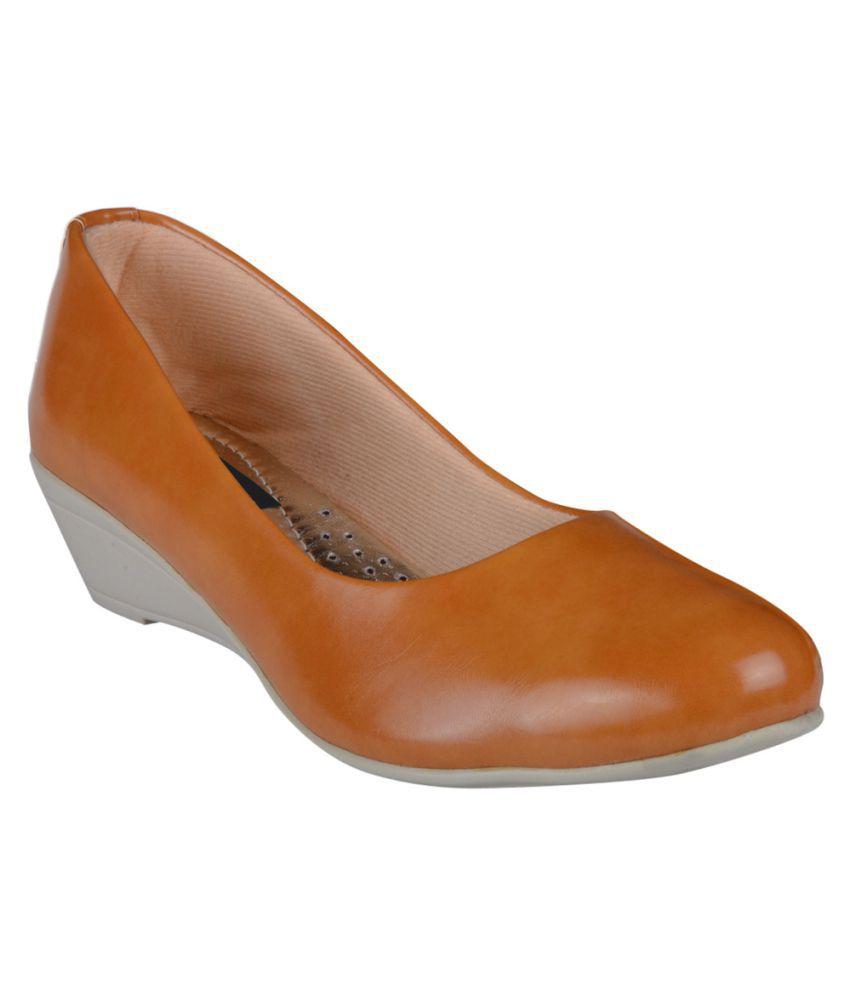 Girlstep Beige Formal Shoes