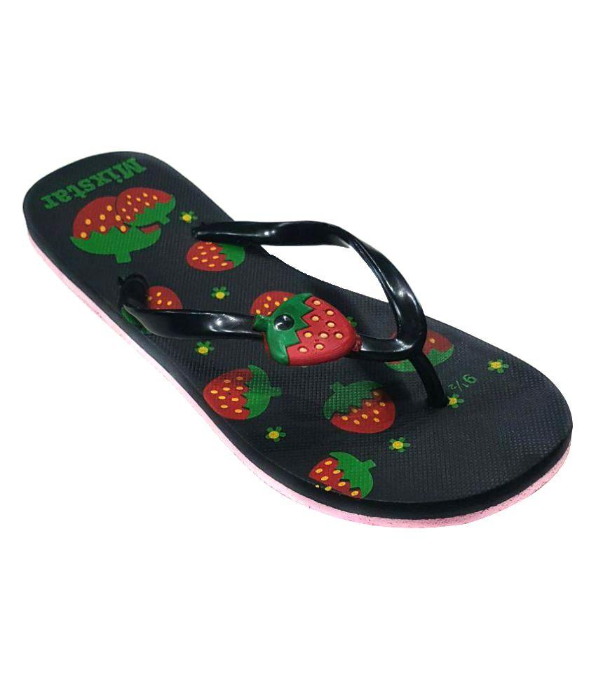 Amatra Black Slippers