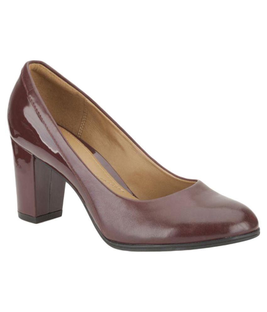 Clarks Brown Heels