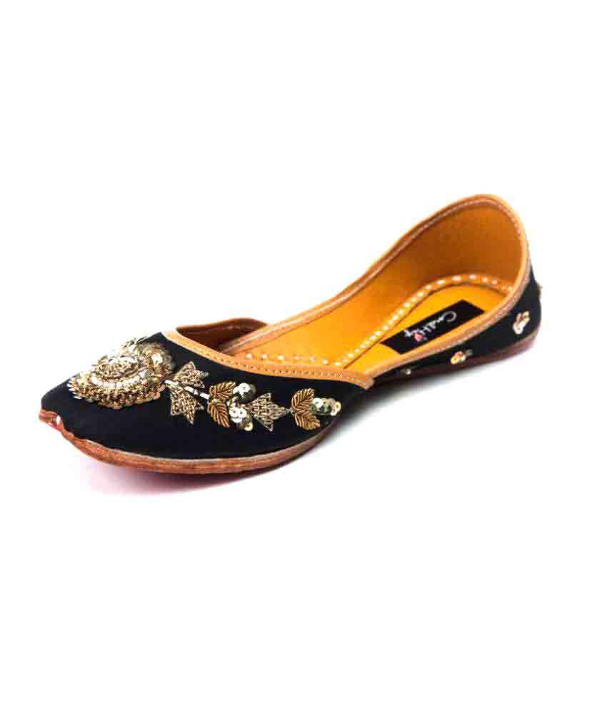 Coral Haze Black Flat Ethnic Footwear