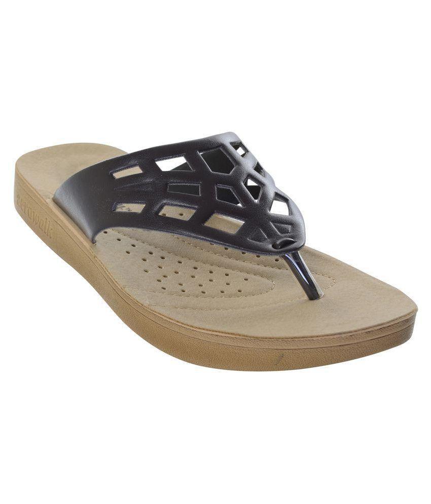 Aerowalk Black Slippers
