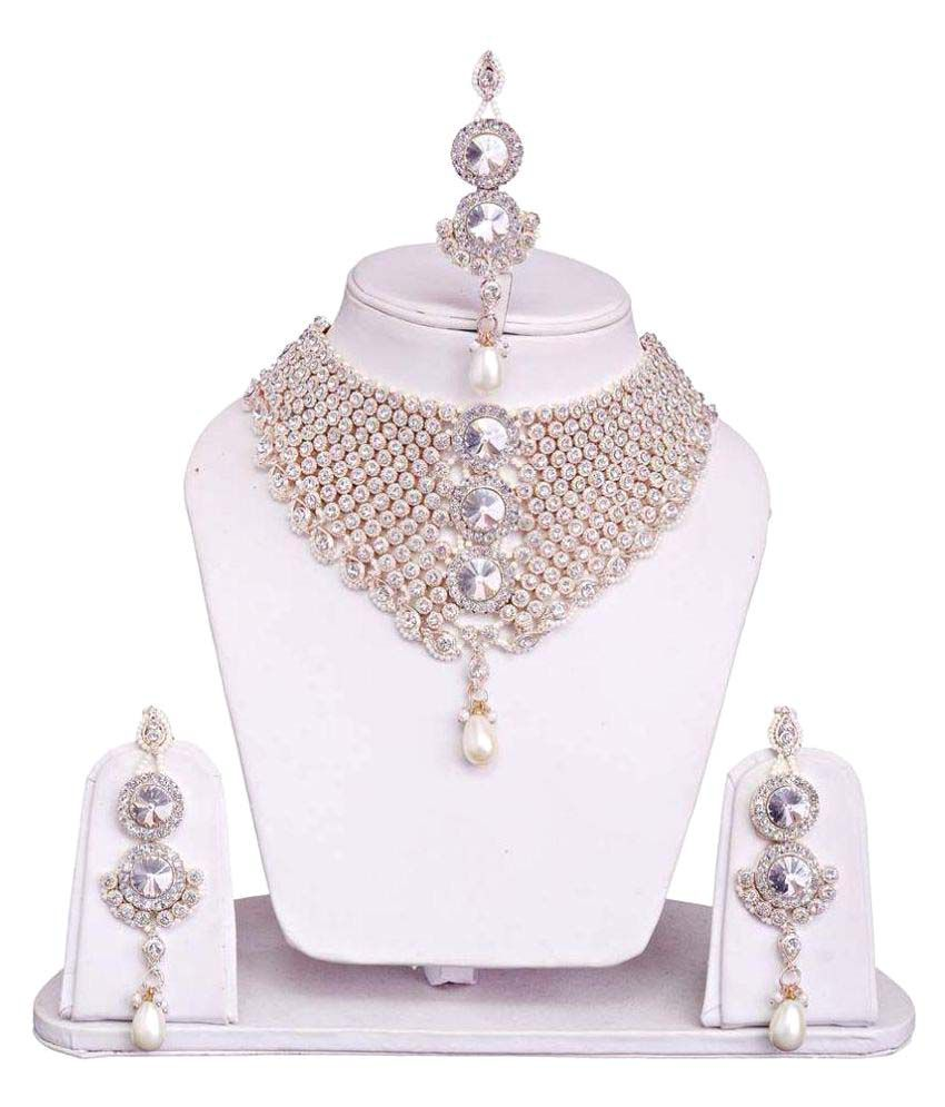 Jewels Guru White Alloy Necklace Set.