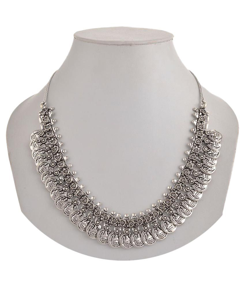 Zephyrr Silver Necklace