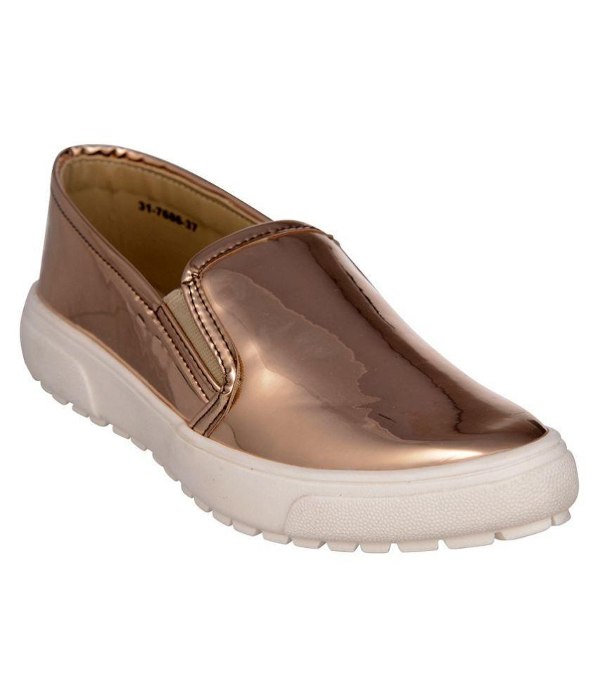 Bruno Manetti Beige Casual Shoes