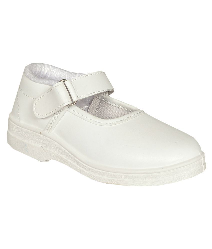f5a270319a59c Lakhani White School Shoes for Girls With Velcro Price in India- Buy Lakhani  White School Shoes for Girls With Velcro Online at Snapdeal