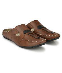 layasa Brown Sandals