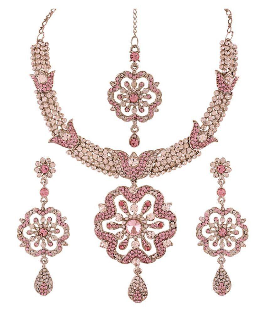 Utsavi's Spellbinding Necklace, Earring & Maang Tikka Set for women