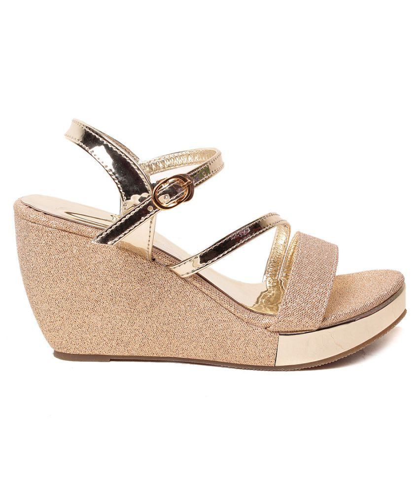 33803dffa3 Feel It Gold Wedges Heels Price in India- Buy Feel It Gold Wedges ...