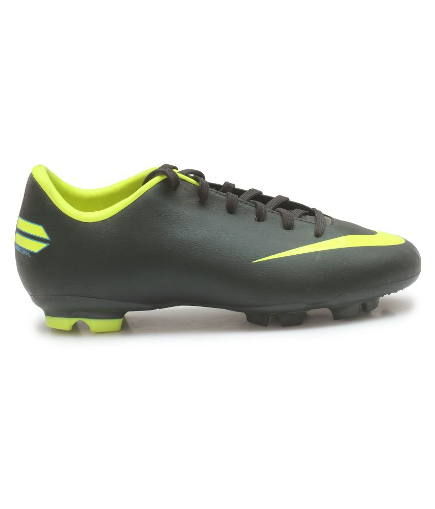 Nike Kids Football Shoes (Studs) Price in India- Buy Nike Kids Football  Shoes (Studs) Online at Snapdeal 337bf3a96