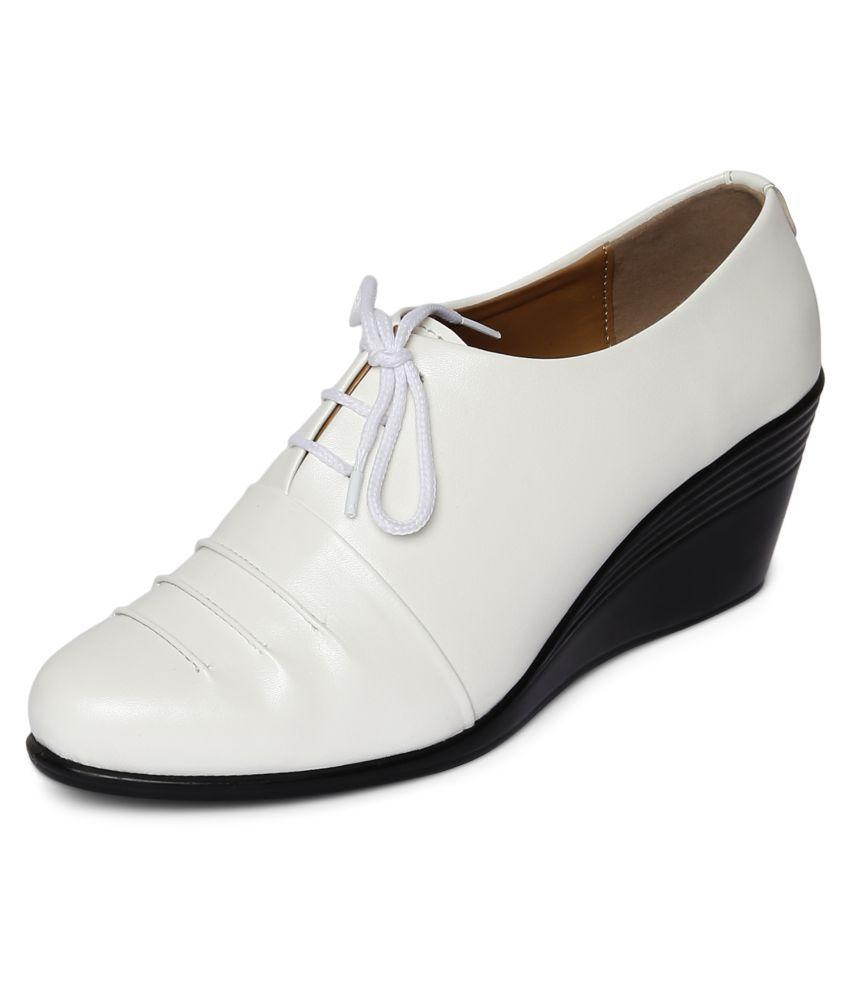 Marc Loire White Wedges Heels