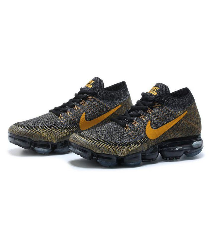 99785bb614ab Nike Air Vapormax Flyknit Black Running Shoes - Buy Nike Air Vapormax  Flyknit Black Running Shoes Online at Best Prices in India on Snapdeal