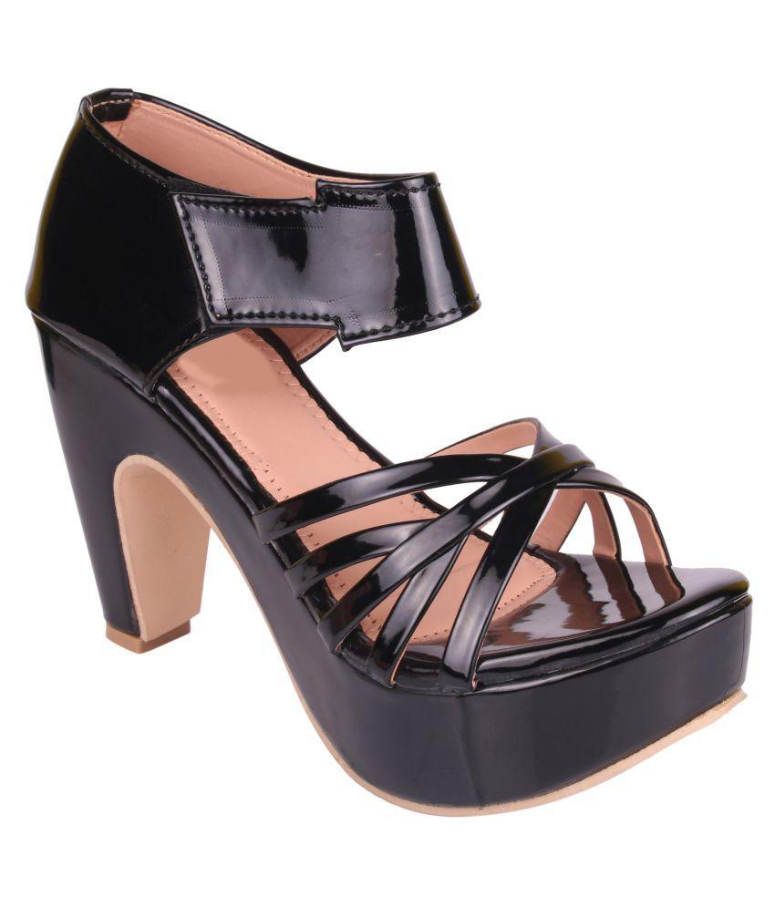 Carrito Black Kitten Heels