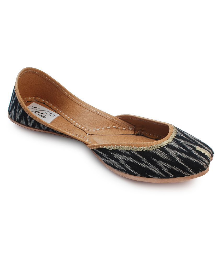 Ekta Black Ethnic Footwear