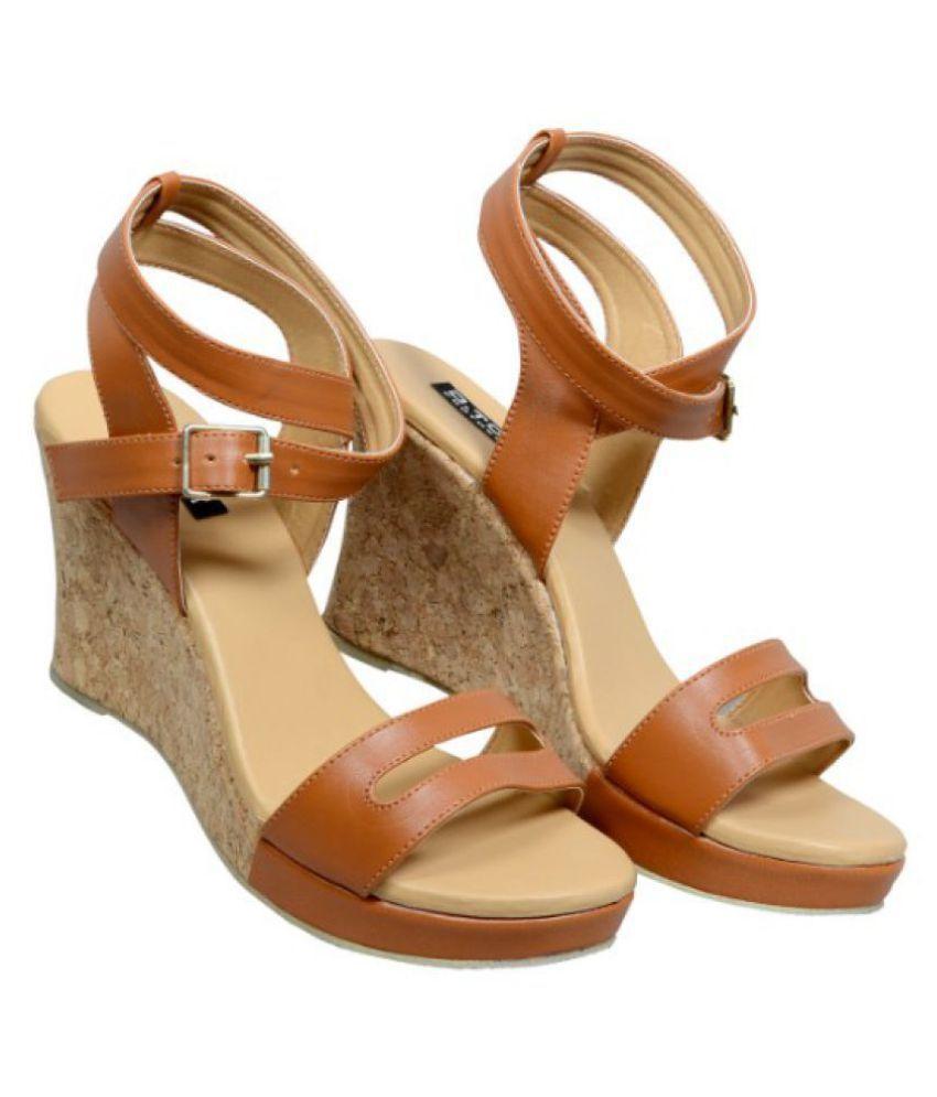 DTOX Tan Wedges Heels