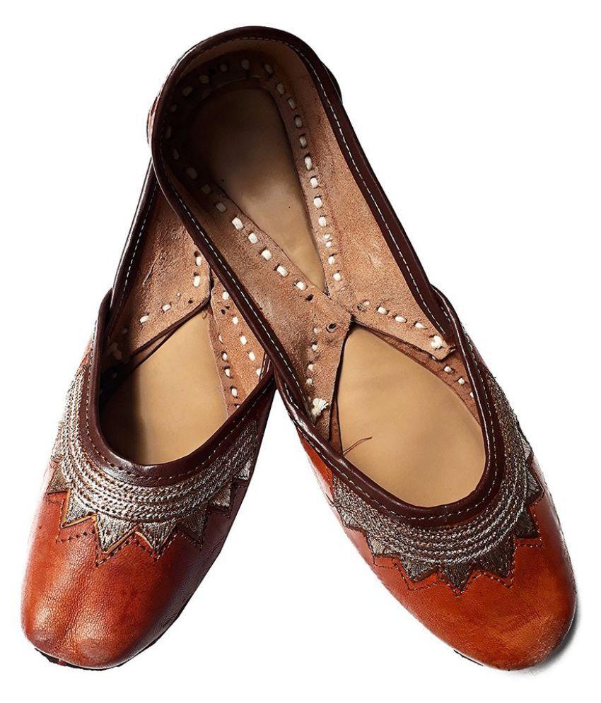 Mahaveer Handicrafts Brown Ethnic Footwear