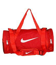 5539d7074fad Gym Bags  Gym Bags For Men Online UpTo 89% OFF at Snapdeal.com