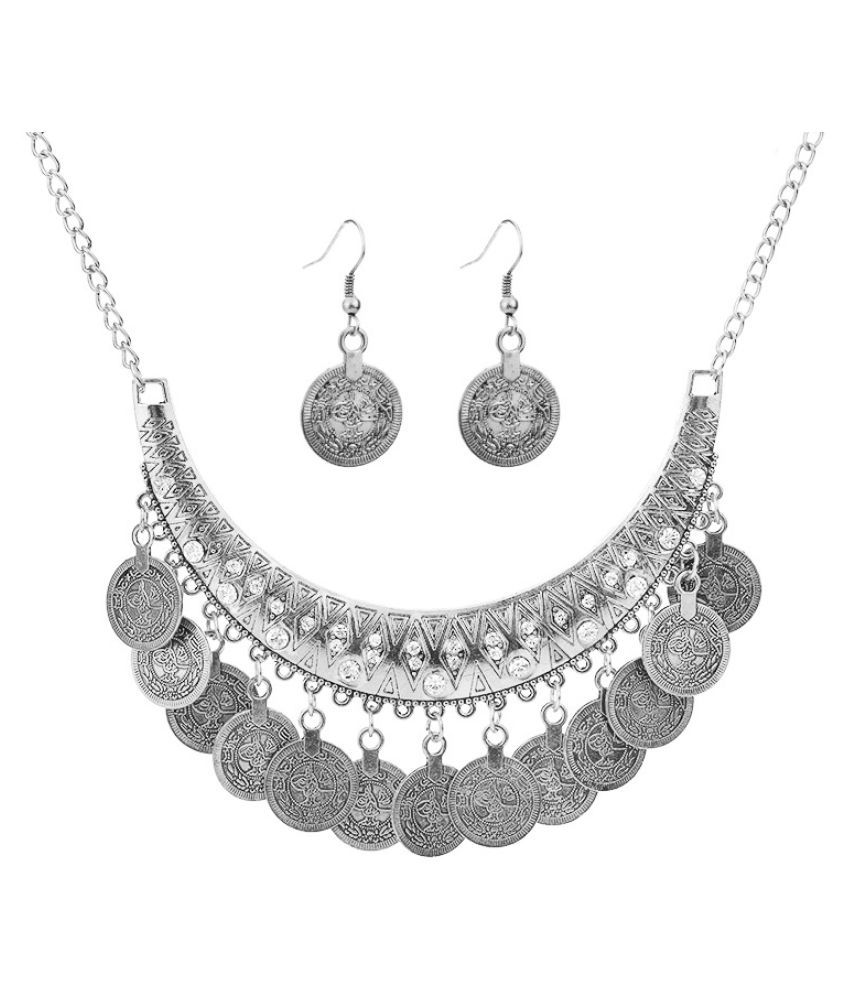 Kamalife Fashion Personality Wild V_Neck Metal Texture Statement Punk Necklaces Combo Set Jewelry For Women Populer