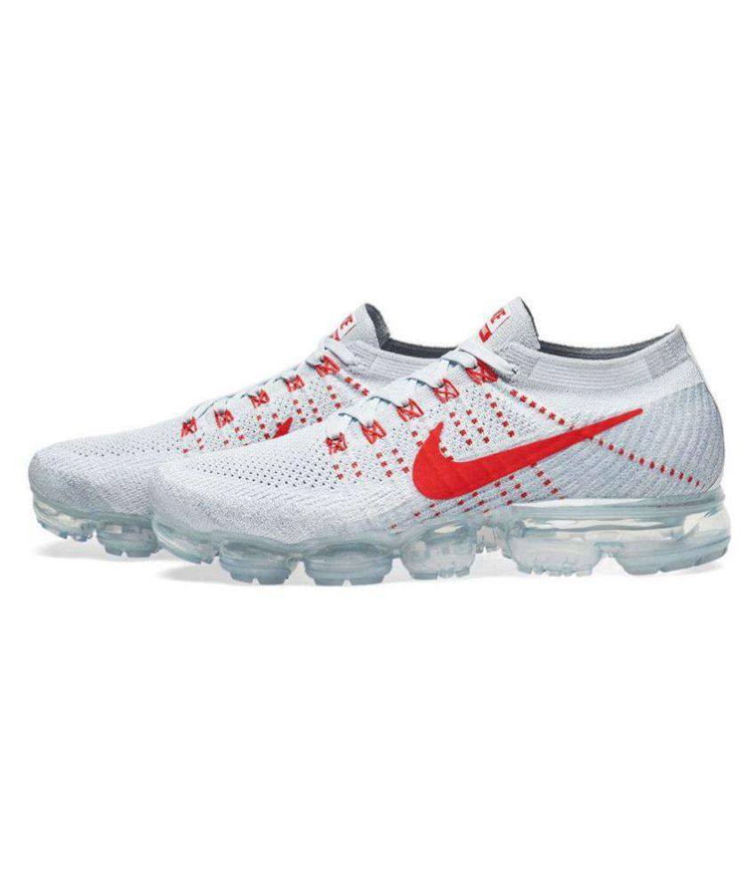 8776bcca3202 Nike AIRMAX 2018 Red Running Shoes - Buy Nike AIRMAX 2018 Red Running Shoes  Online at Best Prices in India on Snapdeal
