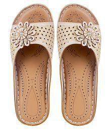 Women's Sandals Upto 70% OFF: Buy Women's Sandals & Flat