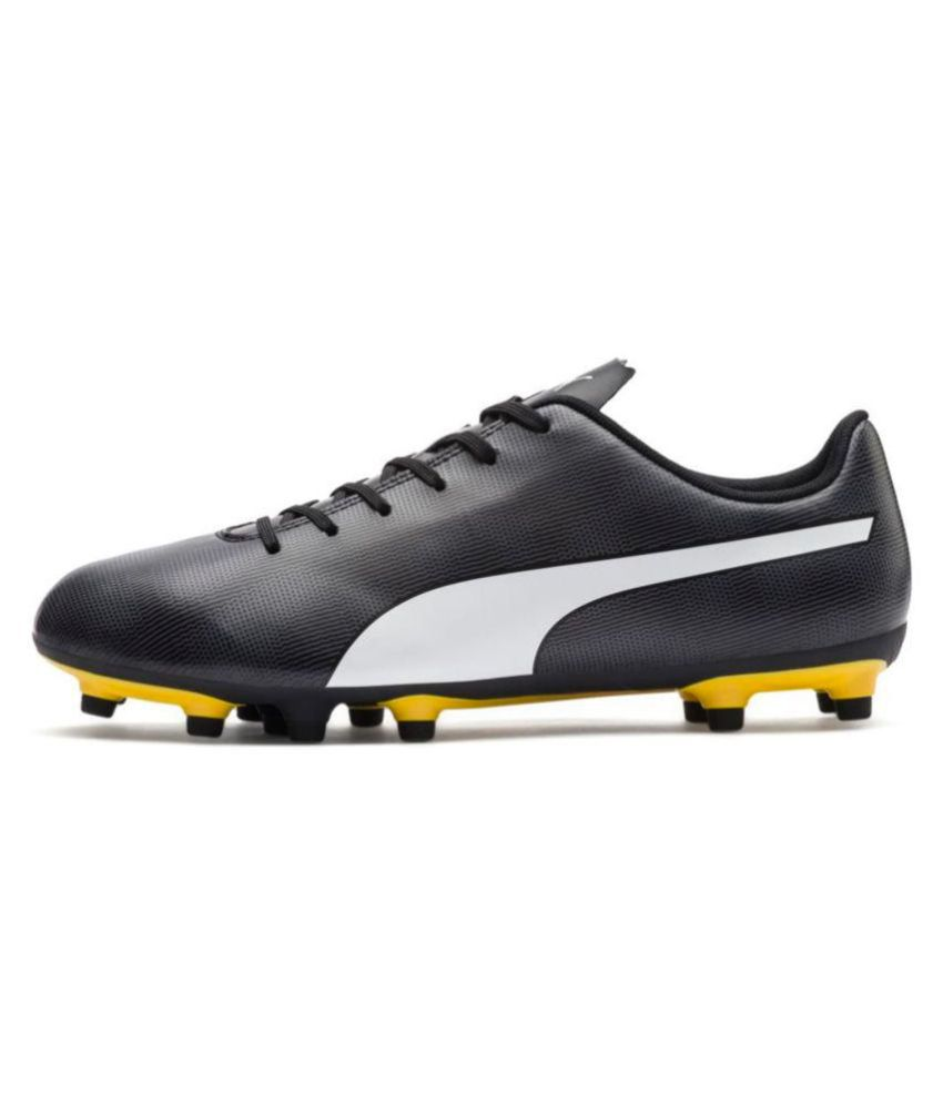 480944bd6954e Puma Rapido FG Kids Football Shoes Studds Unisex Black  Buy Online at Best  Price on Snapdeal