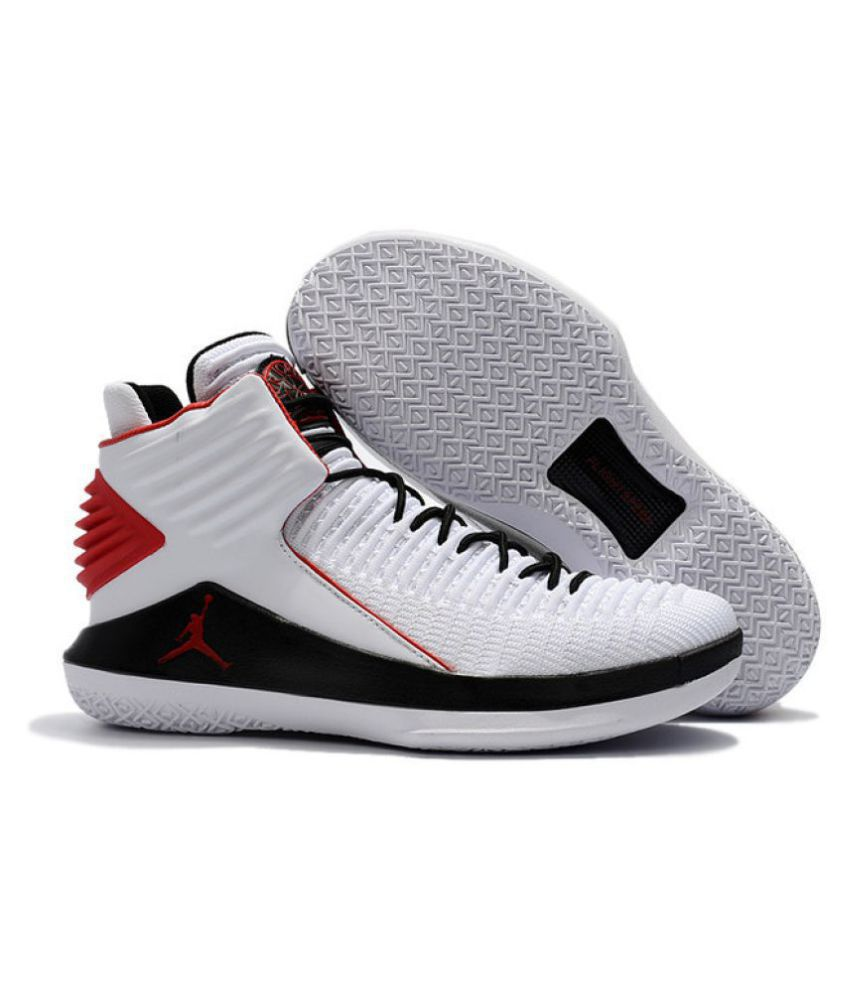 0a0e8002ee2e82 Nike Air Jordan 32 White Basketball Shoes - Buy Nike Air Jordan 32 White  Basketball Shoes Online at Best Prices in India on Snapdeal