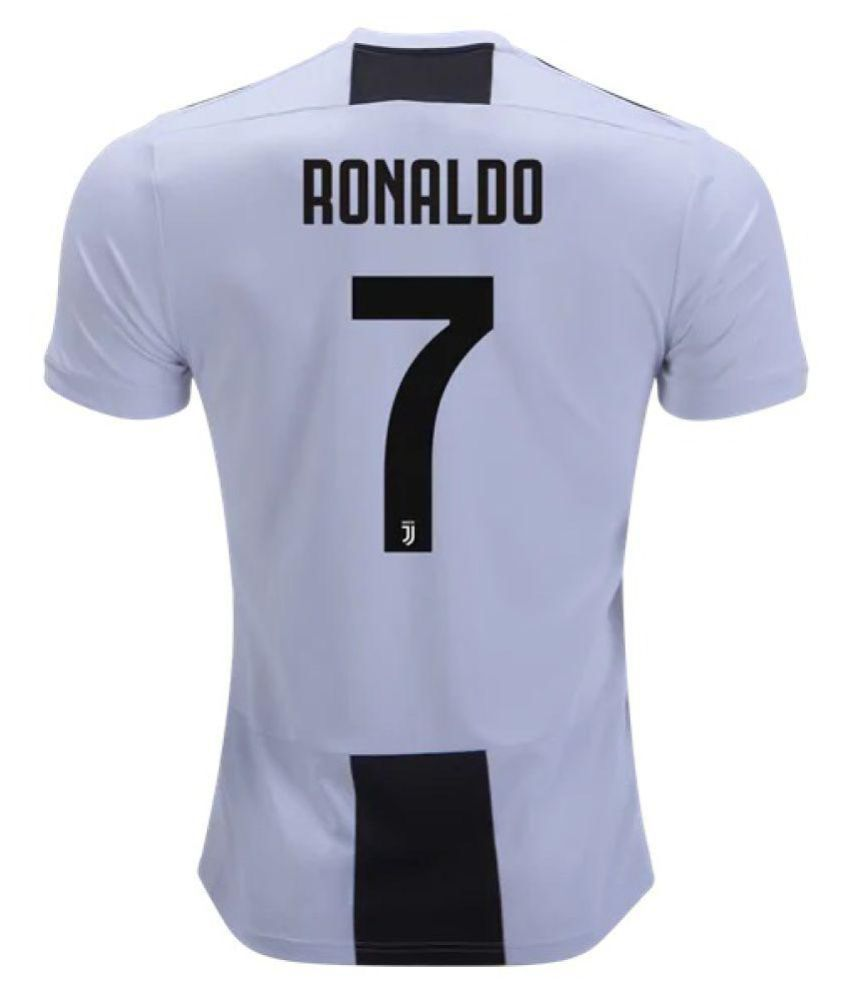 low priced 03d0d 56ed8 Juventus Ronaldo Jersey With Shorts Football Kit