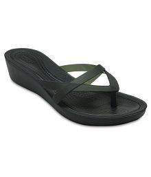 0e1c9cea6f59 Crocs Slippers   Flip Flops for Women  Buy Crocs Women s Slippers ...