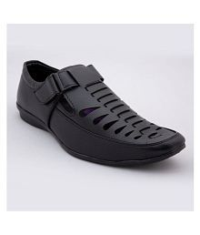 Climbr Black Synthetic Leather Sandals