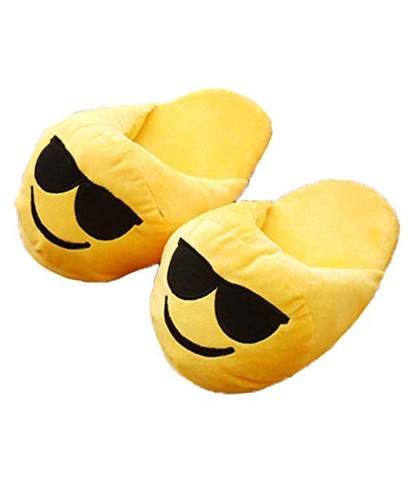 Awestuffs Yellow Emoji slippers