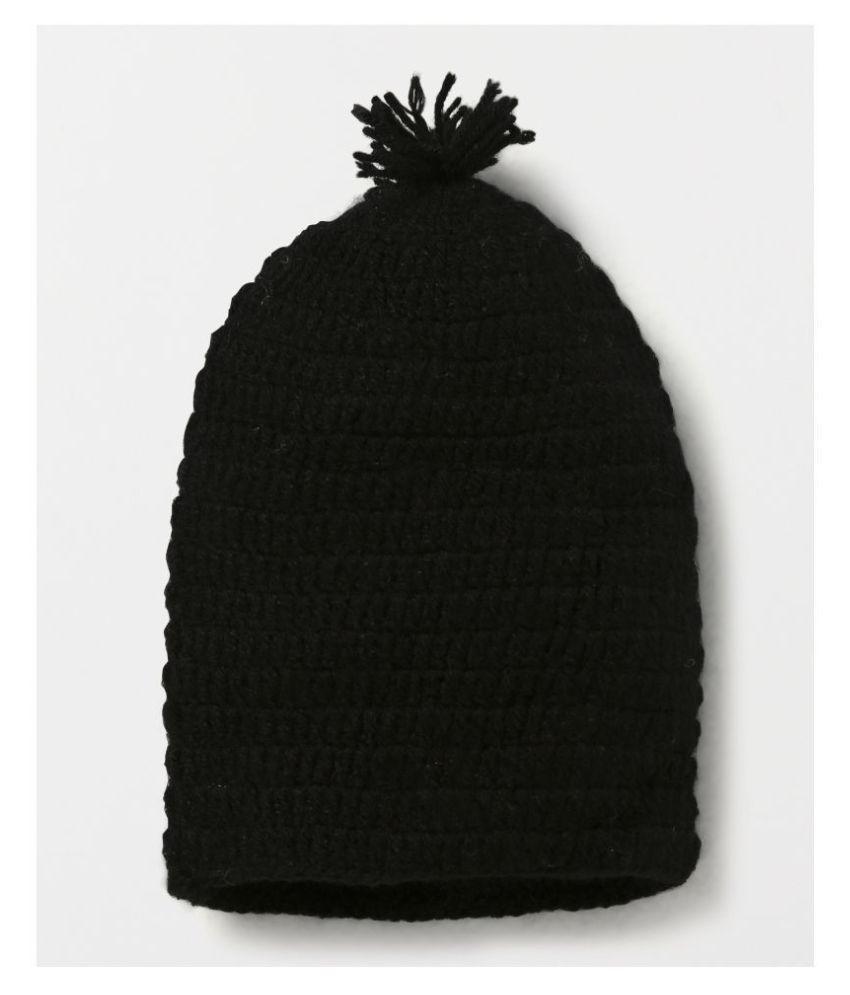 CHUTPUT PomPom Black Cap