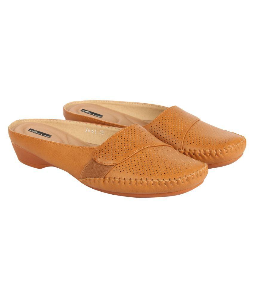 D SHOE LOUNGE Camel Casual Shoes