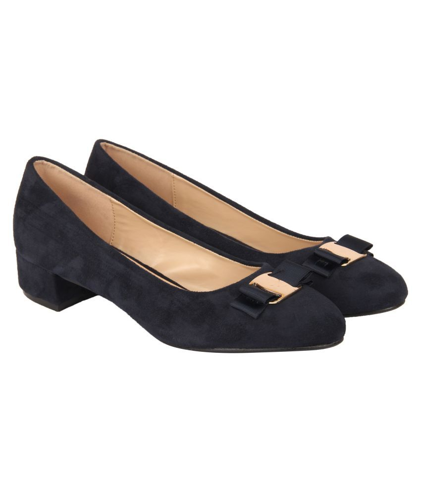 D SHOE LOUNGE Navy Block Heels