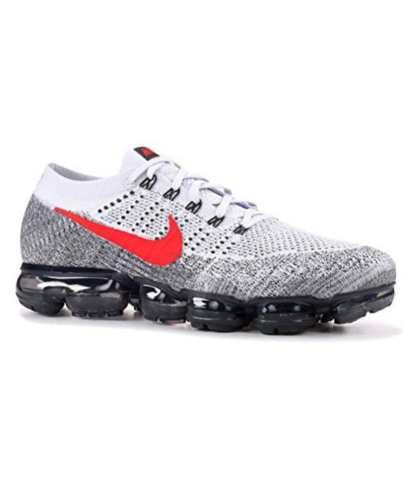 c2b29b9e7c41 Nike AIR VAPORMAX 18 White Basketball Shoes - Buy Nike AIR VAPORMAX 18  White Basketball Shoes Online at Best Prices in India on Snapdeal