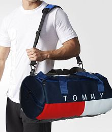 fbd14b635ba Gym Bags: Gym Bags For Men Online UpTo 89% OFF at Snapdeal.com