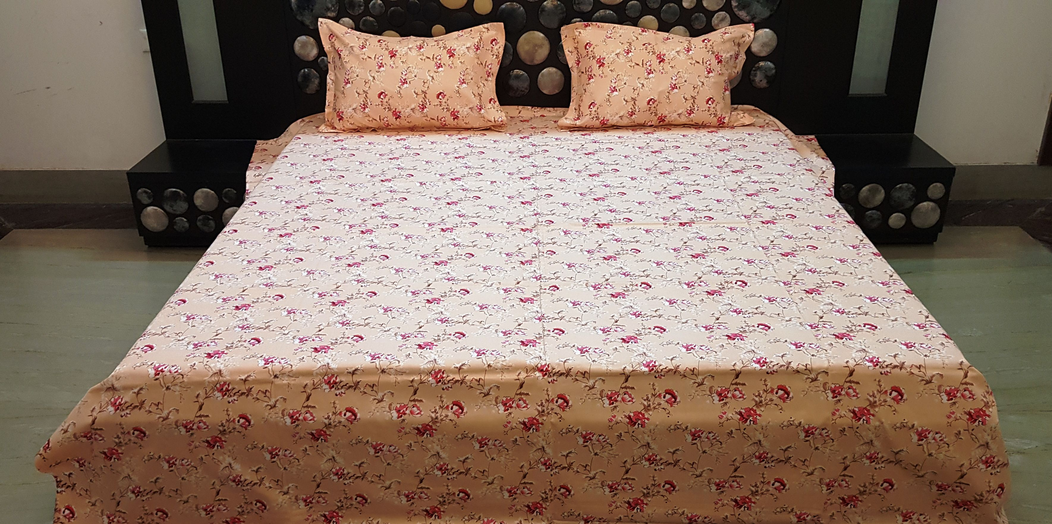 Veejay Home Decor Cotton Double Bedsheet with 2 Pillow Covers