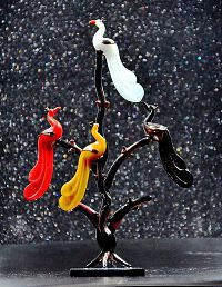craftfry Loving Bird Tree Decorative Showpiece Multicolour Glass Handicraft Showpiece - Pack of 1