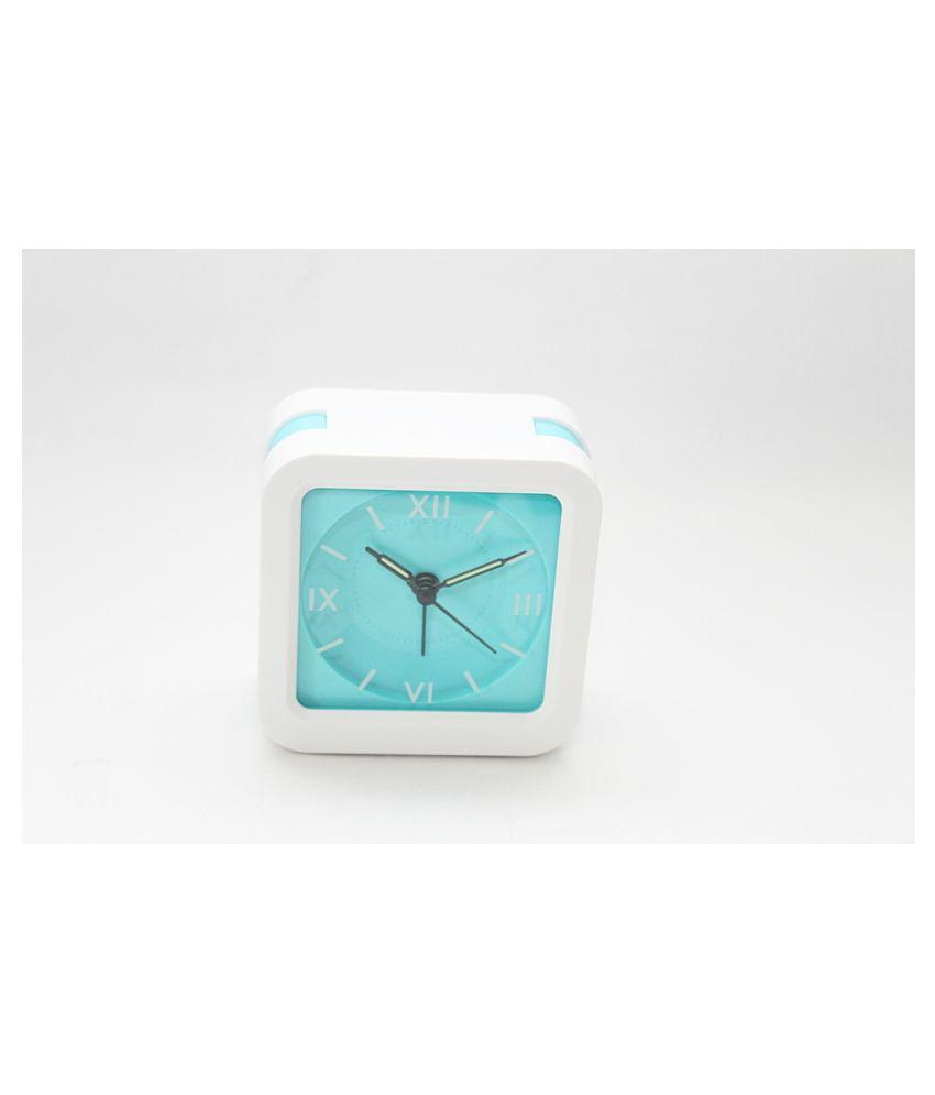 Laps of Luxury Analog Alarm Clock   Pack of 1