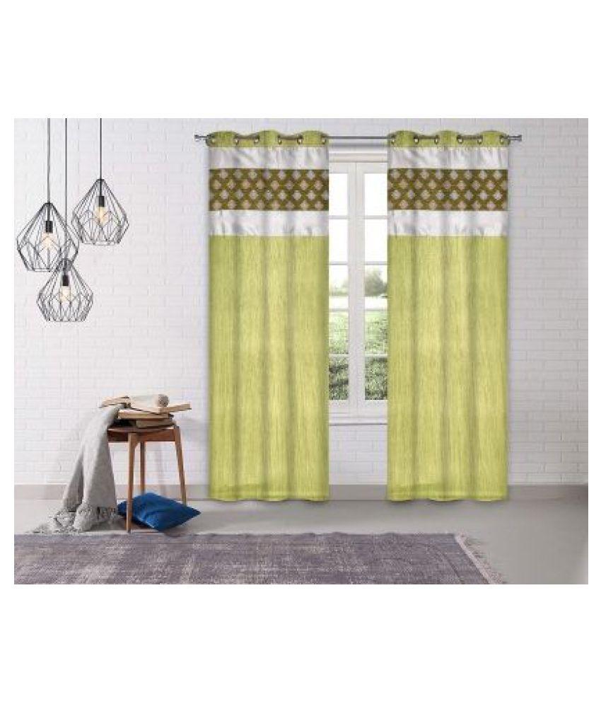 LINENS & DRAPES Set of 2 Window Blackout Room Darkening Eyelet Polyester Curtains Green