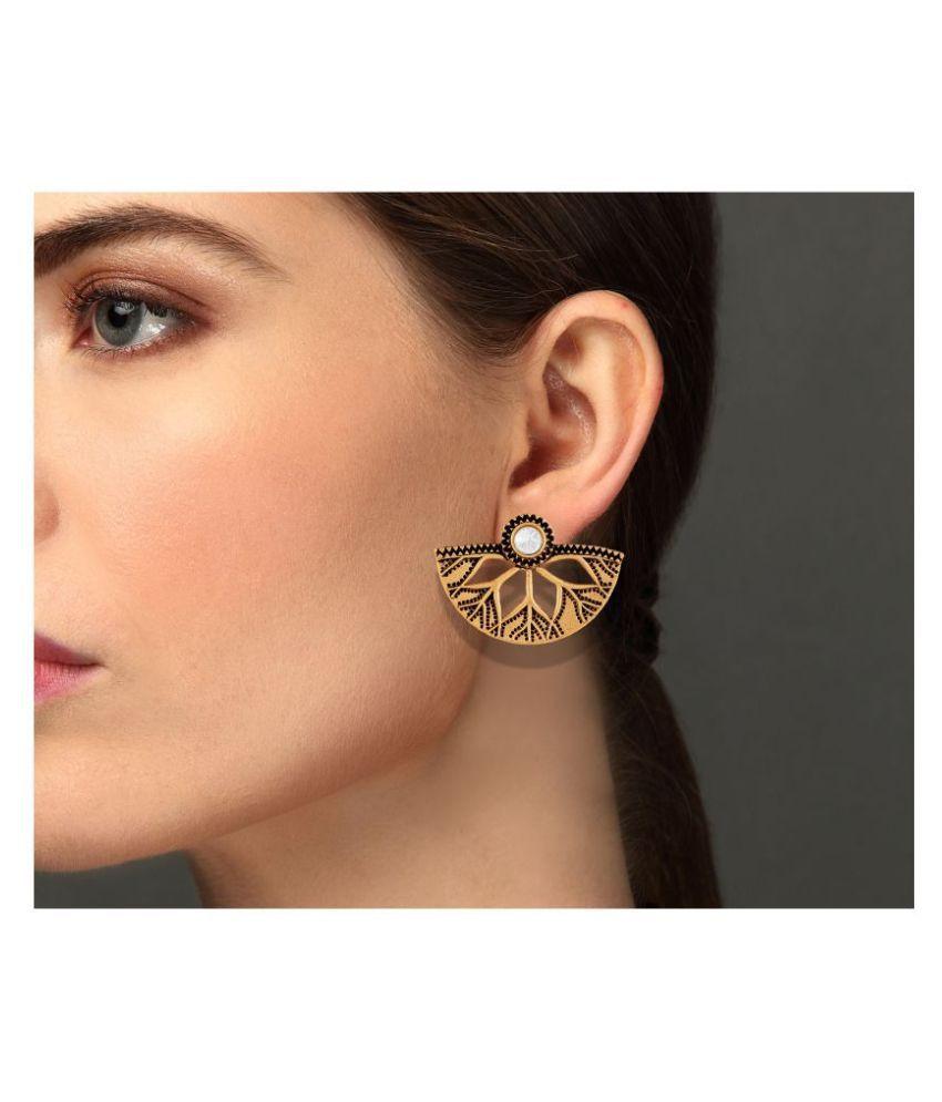Asmitta Shimmering Semi Circle Leaf Shape Gold Plated White Stone Earrings For Women