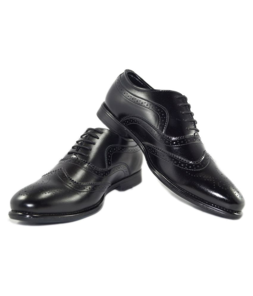 URV SHOES Brogue Artificial Leather Black Formal Shoes