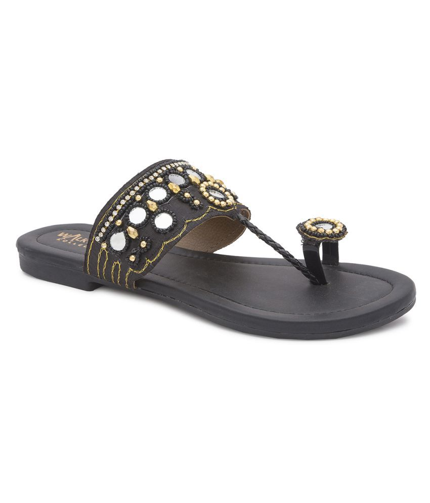 WALK N STYLE COLLECTION Black Flats